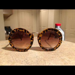 Circle Tortoise Sunglasses